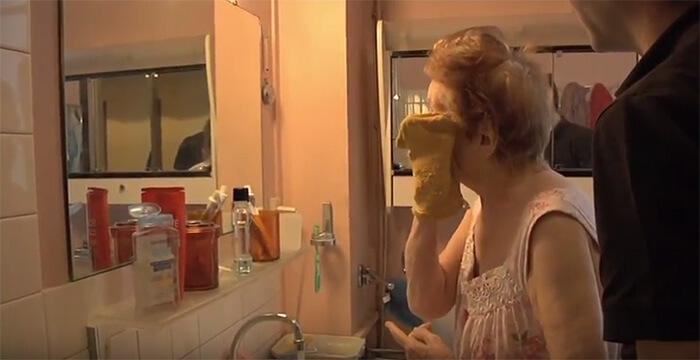 Hygiène : comment l'aider à faire sa toilette ?