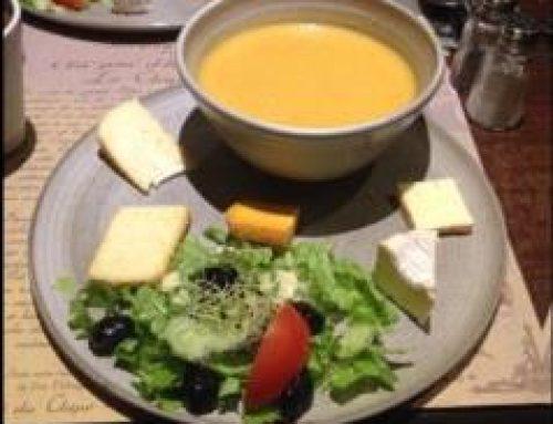 Une assiette de soupe et un bout de fromage !